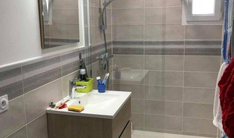 salle de bain moderne sur mesure clé en main à Agde